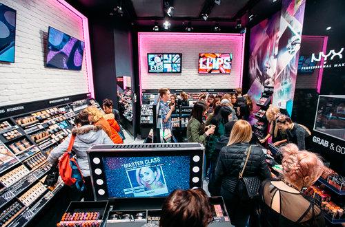 Открытие магазина косметики NYX