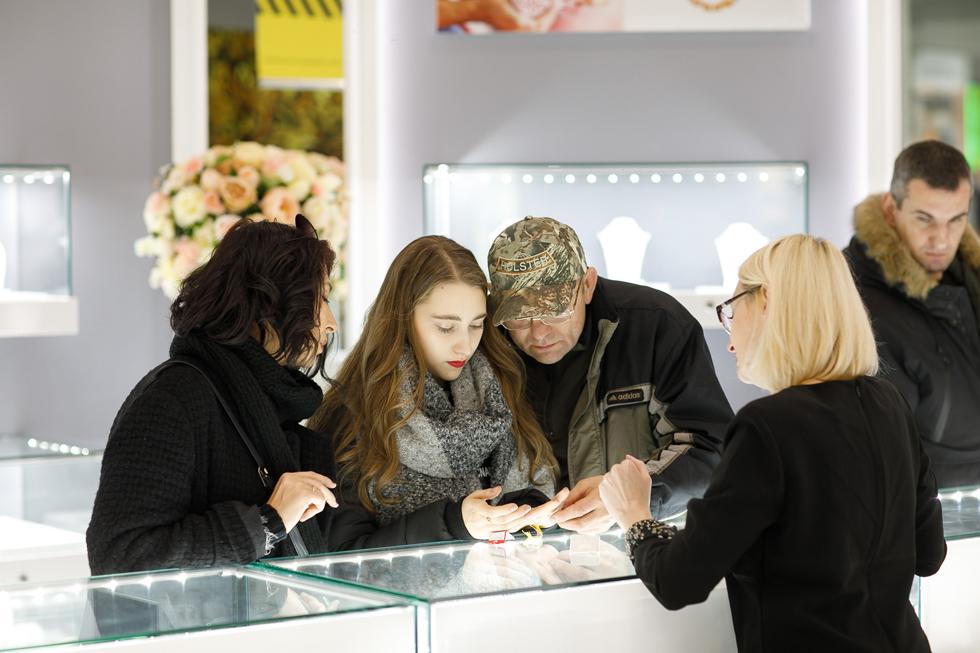 Открытие обновлённого ювелирного магазина Линии Любви в ТЦ «Галерея Чижова»